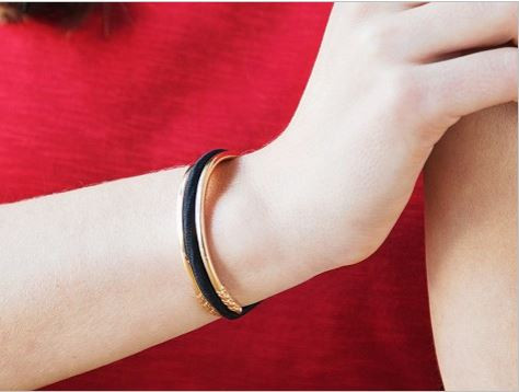 Wear A Hair Tie On Your Wrist Without Cutting Off Your Circulation