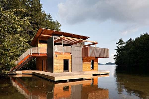 Boathouse-in-Muskoka-Lakes-02
