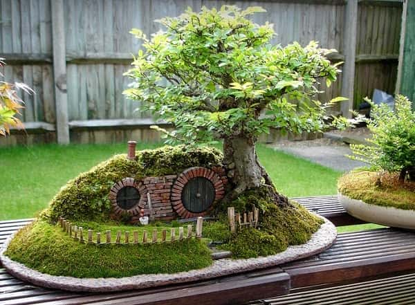 Miniature-Hobbit-Home-5