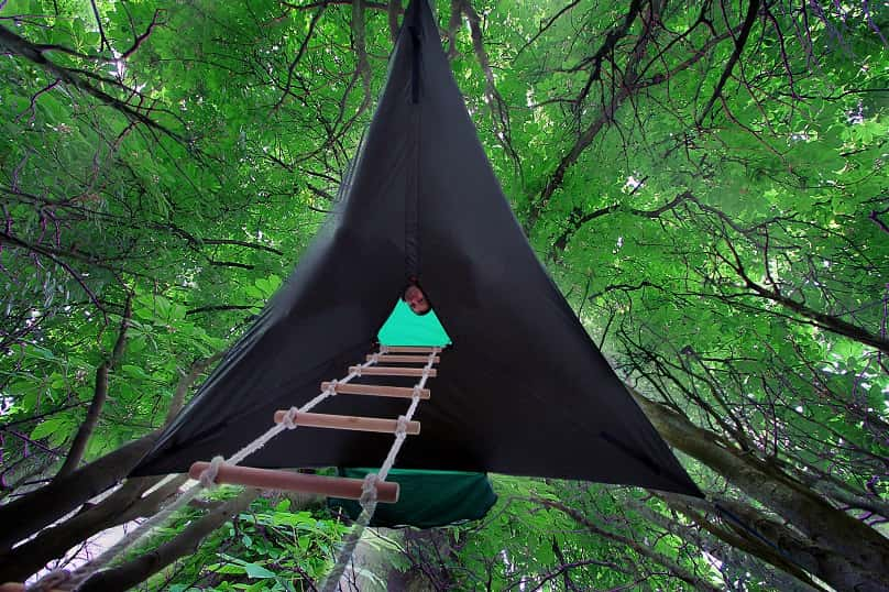 Camping-on-a-Higher-Level-Suspended-Tree-Tent-03