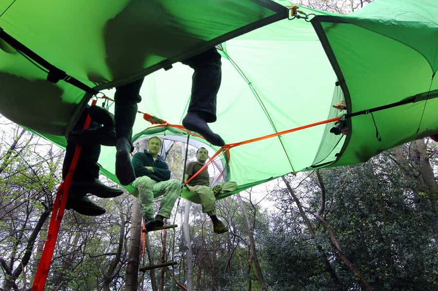 Camping-on-a-Higher-Level-Suspended-Tree-Tent-04