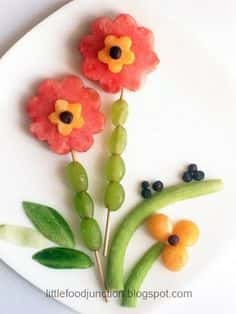 flower shaped fruit display