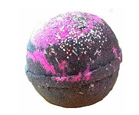 glitter-bath-bomb Holiday Gift Ideas