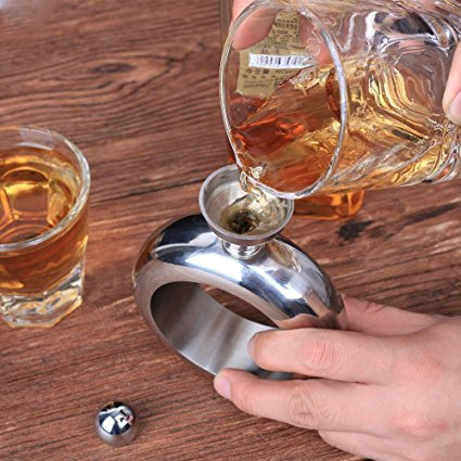 This Bracelet Flask Will Let You Sip Your Drink Comfortably at Concerts, Picnics