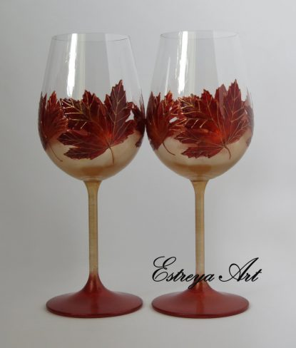 maple leaves wine glass