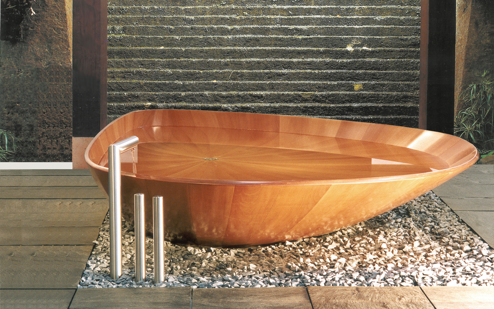 diamond shaped bathtub