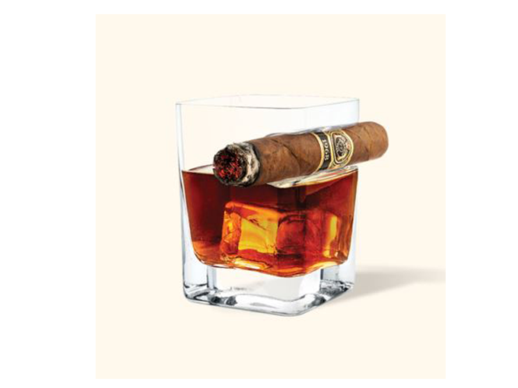 Ergonomic Whiskey Glass With Cigar Holder