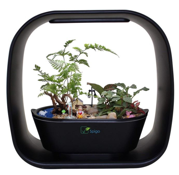 Intelligent LED Light Self Watering Indoor Garden
