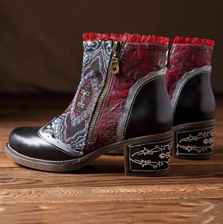 10 Pairs Of Unique And Creative Handmade Womens Boots