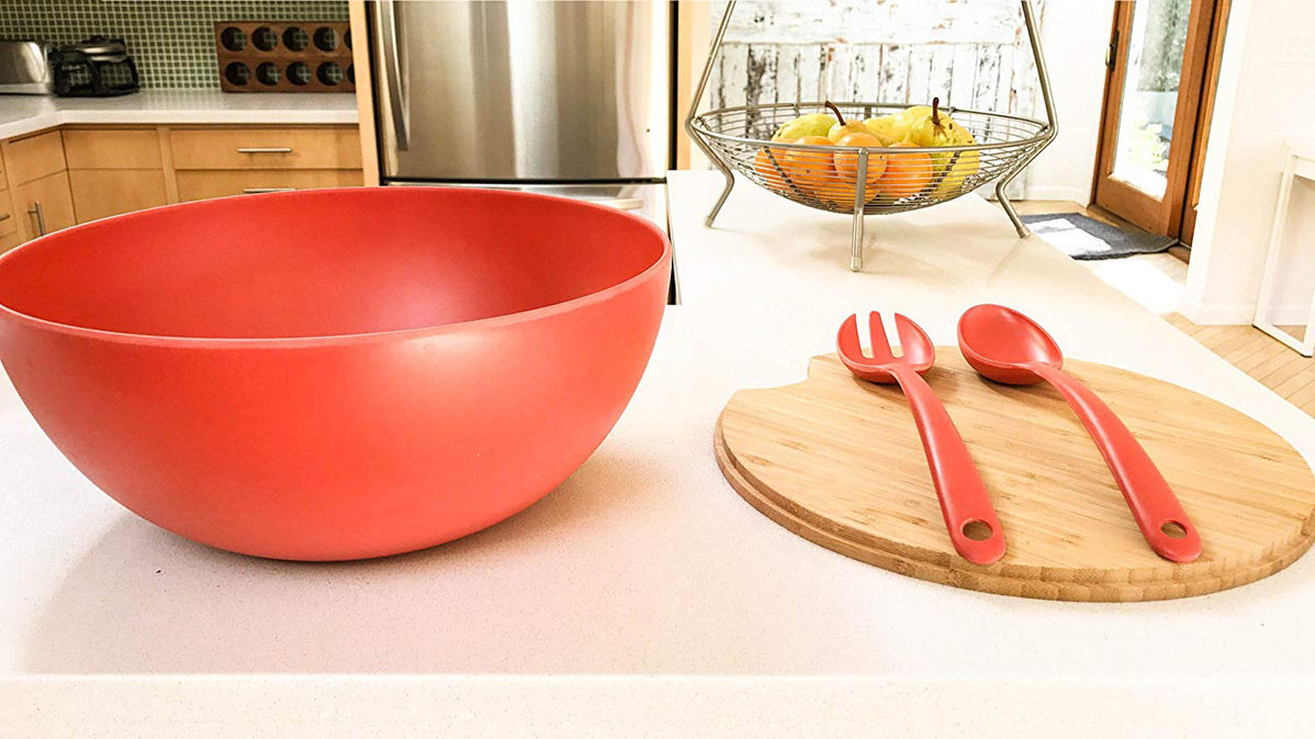 Serving Bowl With Cutting Board That Doubles As A Lid
