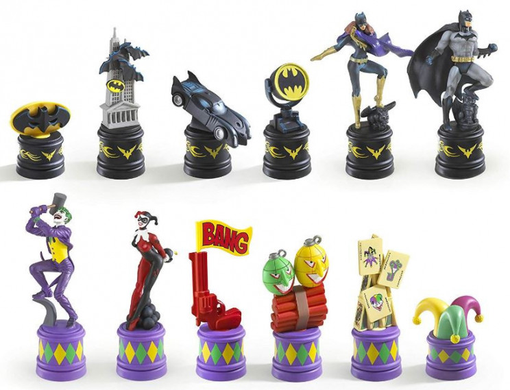 The Dark Knight vs The Joker Chess Set