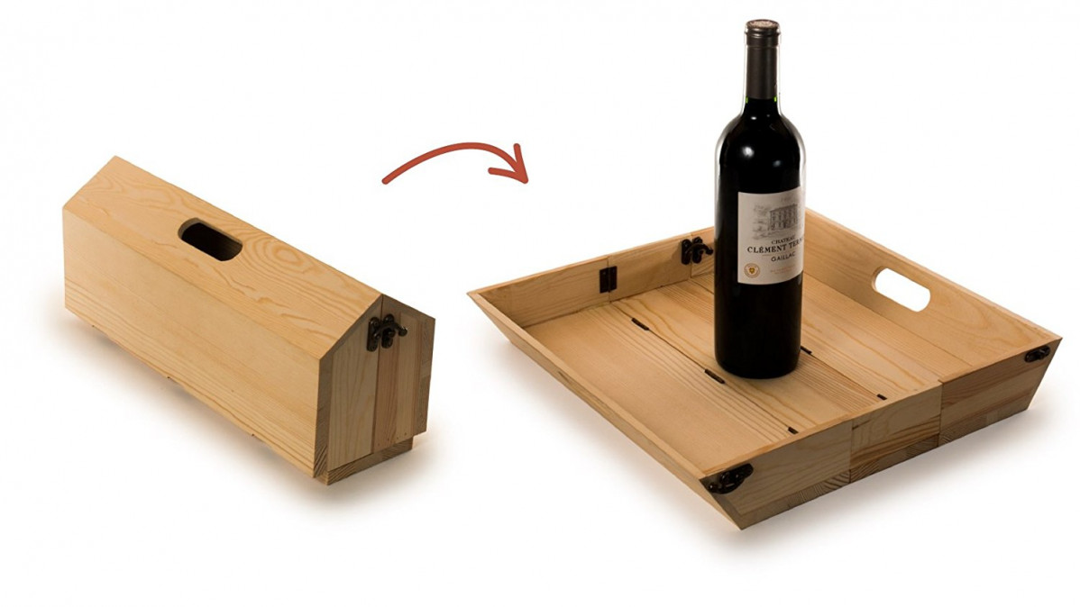This Wine Bottle Carrier Turns into a Tray to Make an Ideal Gift at Barbeques