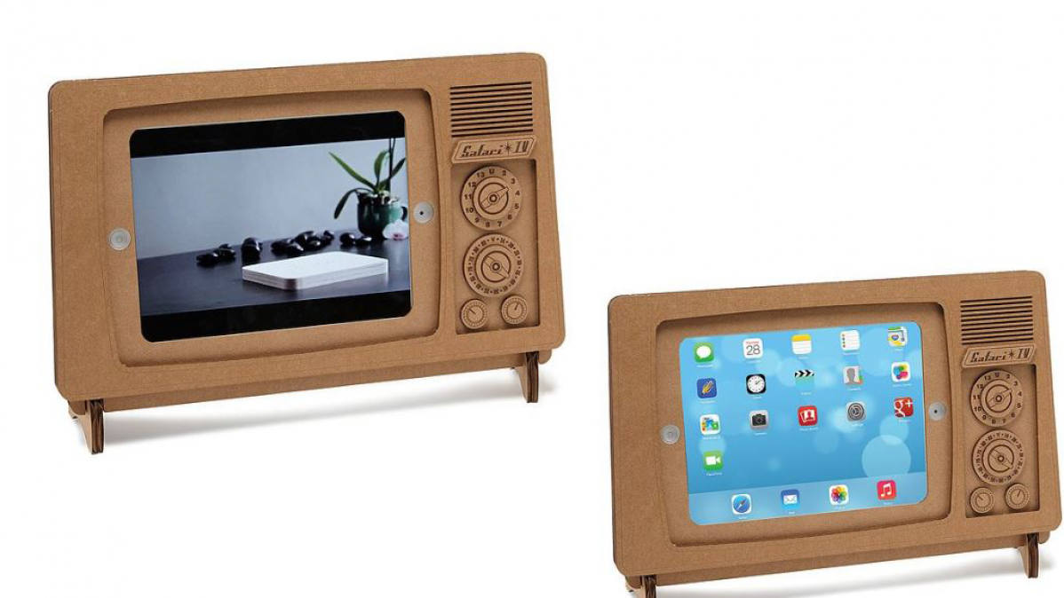 Cool Cardboard Retro TV Style iPhone Stand