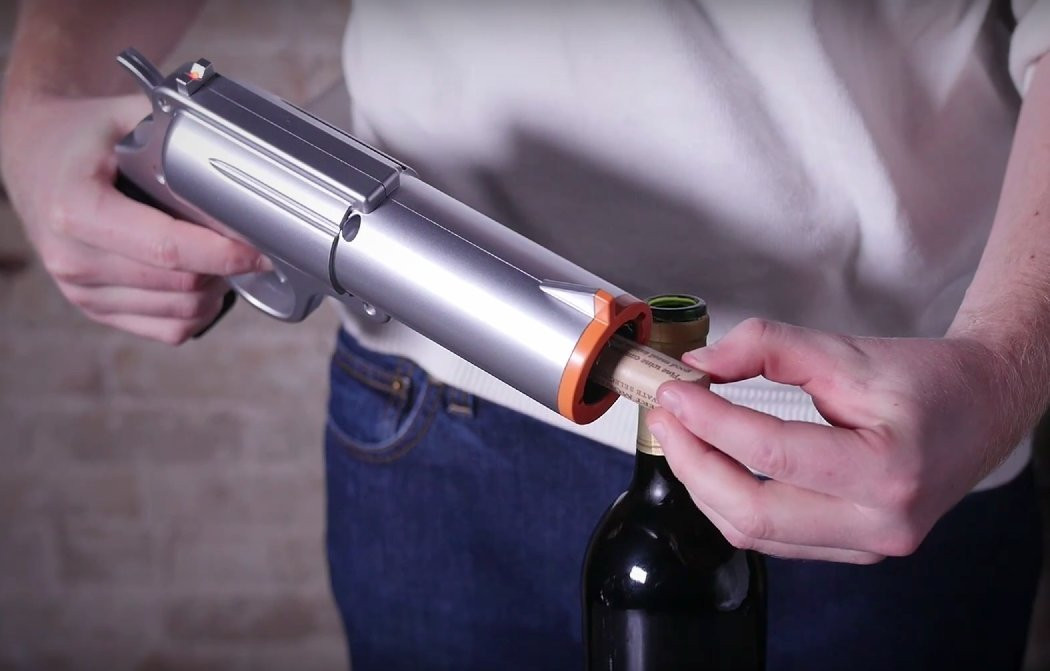 The Best Wine Opener Ever Opens 30 Bottles On A Single Charge