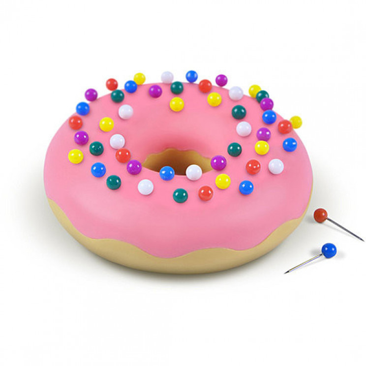 Cool Desktop Push Pin Holder That Looks Like A Donut