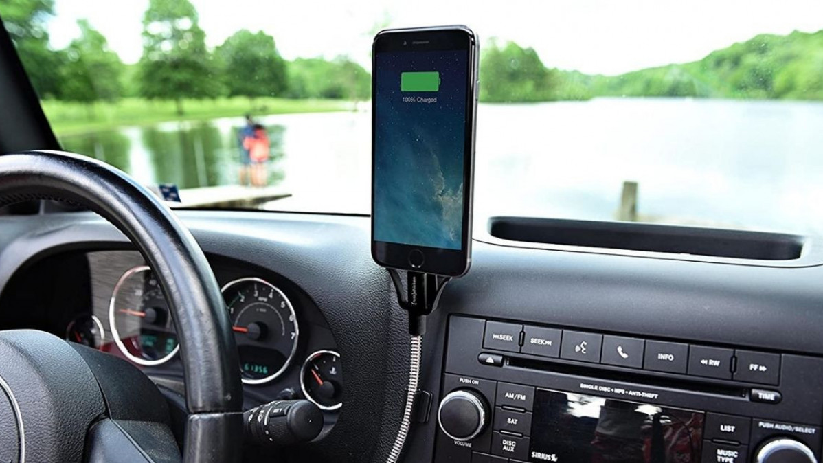 Enhance Your Comfort with This Car Dock in Your Vehicle