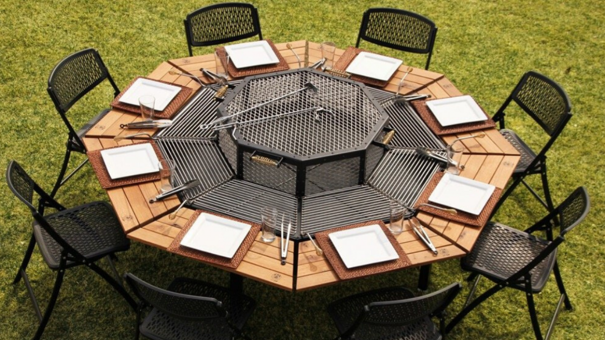 Cook Your Own Meal With the Octagon Grill Table
