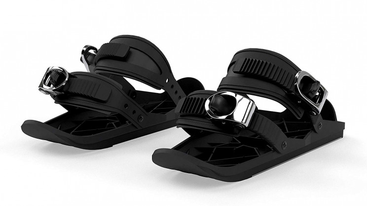 With Mini Ski Skates, You Can Now Ski With Your Shoes