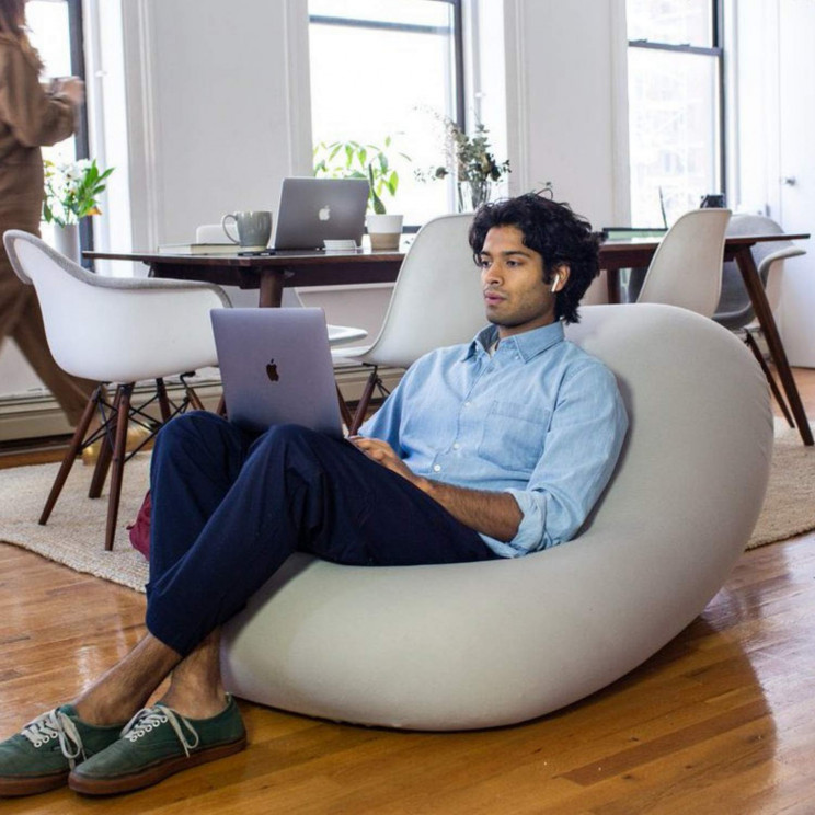 A Perfect Living Room Furniture; The Moon Pod