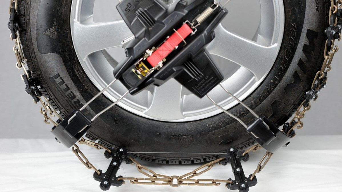 Convenient Snow Chain for Your Tires on Icy Roads