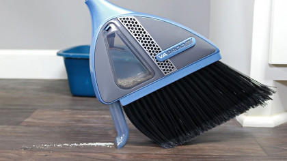 Eliminate Dustpans For Good With The VaBroom