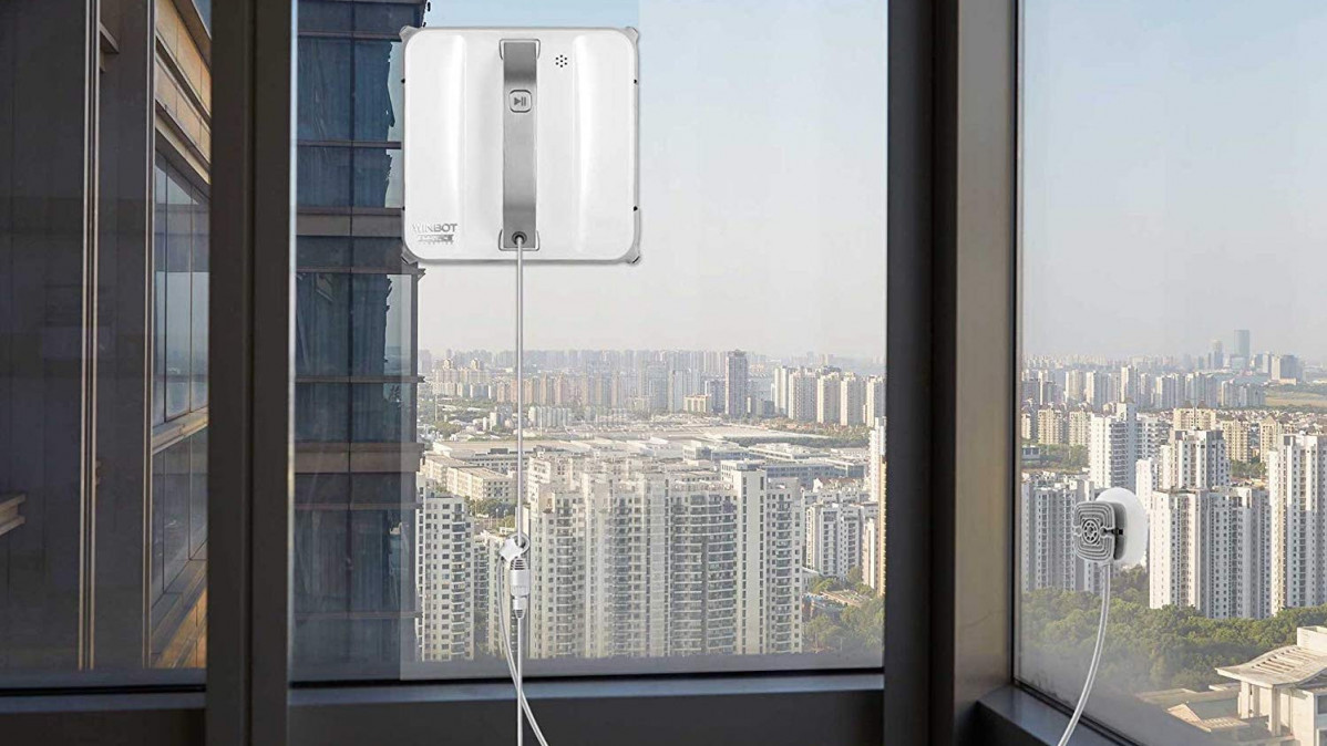 Clean Your Windows with Professional Help from This Window Robot