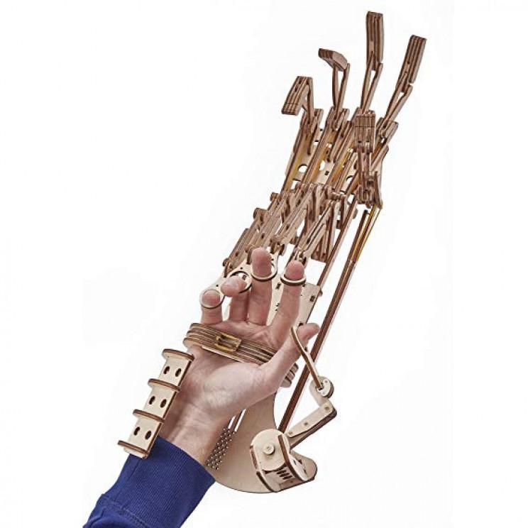 wooden-robotic-hand