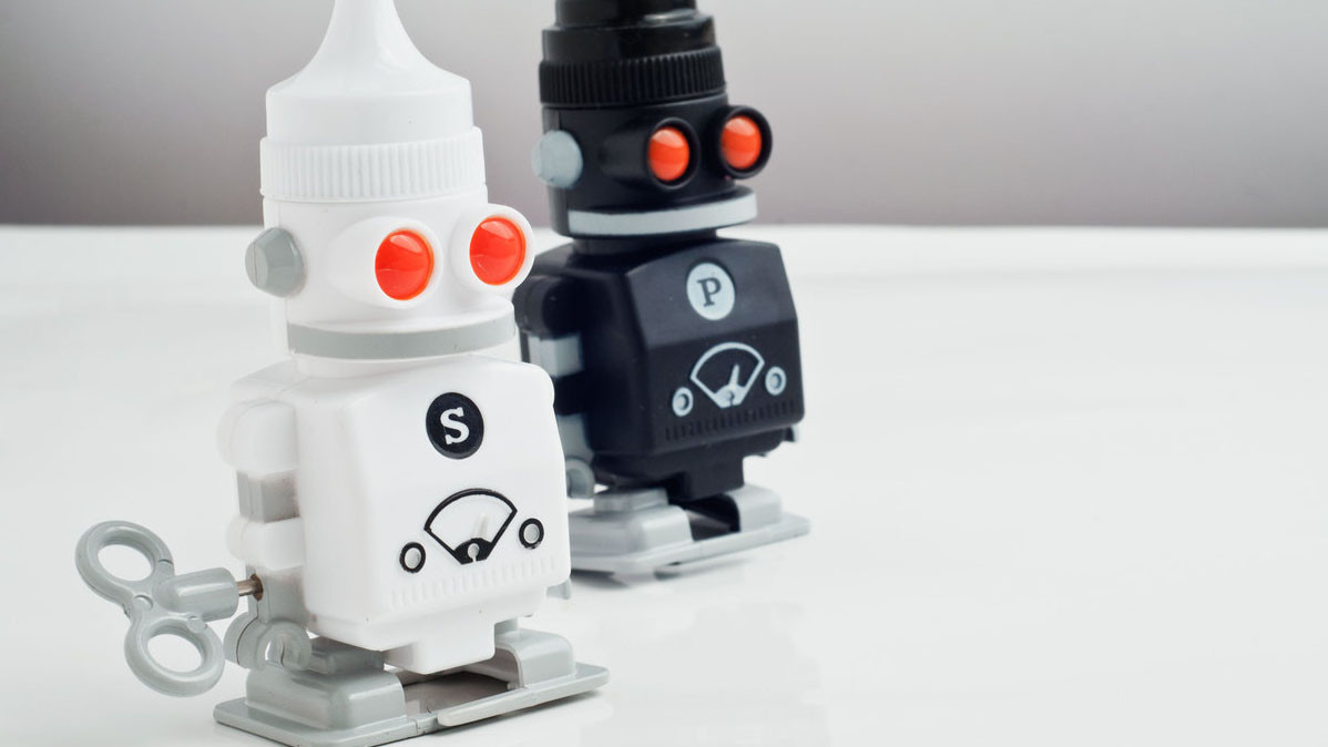 Adorable Wind Up Salt And Pepper Bots