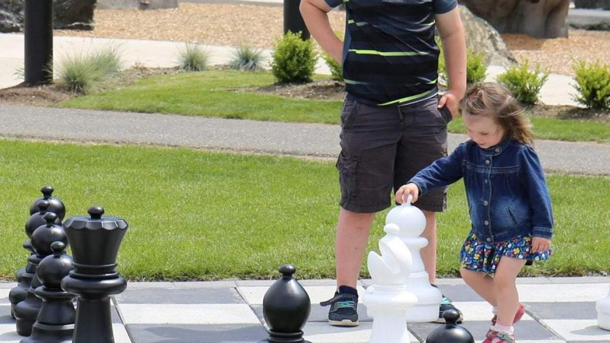 Giant Chess Set – Royal Play