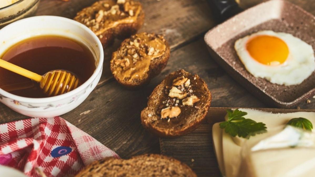 5 Breakfast in Bed Ideas