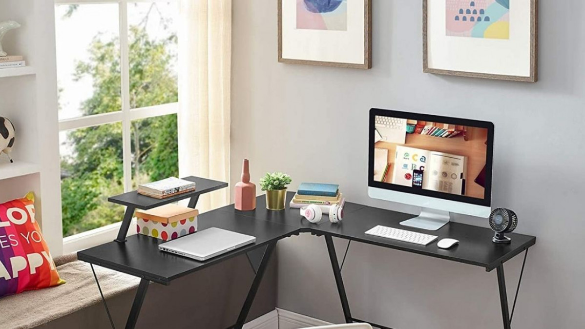Save Space and Increase Your Efficiency with This Classy Desk
