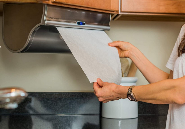 Get Your Paper Towel the Practical Way with This Dispenser